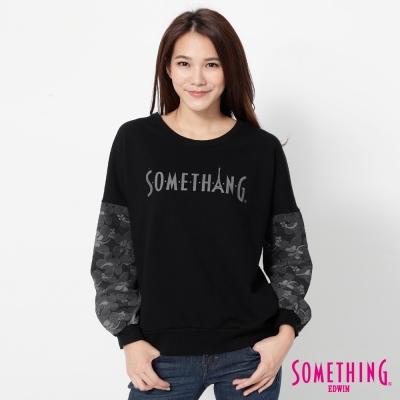 SOMETHING-蕾絲袖LOGO印花T恤-女-黑色