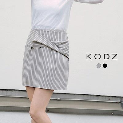 東京著衣-KODZ 氣質個性扭結設計條紋短裙-S.M.L(共二色)