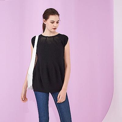 ICHE 衣哲 一體成形空氣感設計無袖造型針織上衣(兩色)-黑