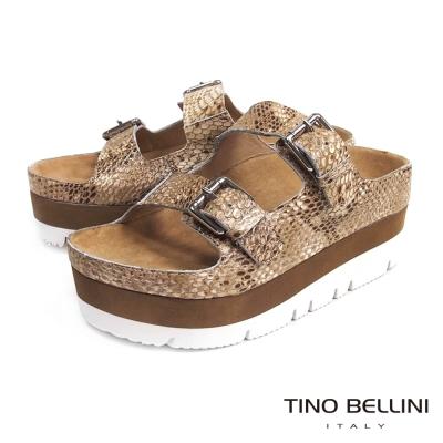 Tino Bellini 摩登潮味雙釦厚底涼拖鞋_蛇紋棕