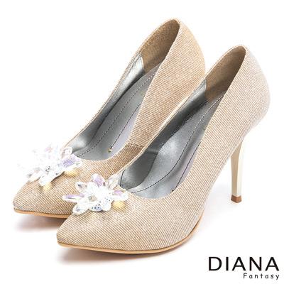 DIANA 晶透高雅--耀眼星空感透鑽立體飾釦跟鞋-金