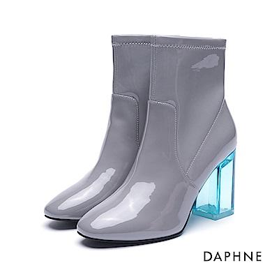 達芙妮DAPHNE 短靴-鏡面漆皮透明粗跟短靴-灰