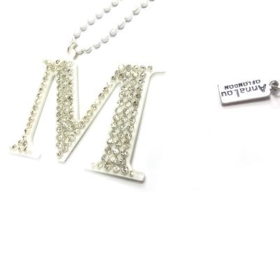 Anna Lou Of London 倫敦品牌 水晶字母項鍊 M 白色