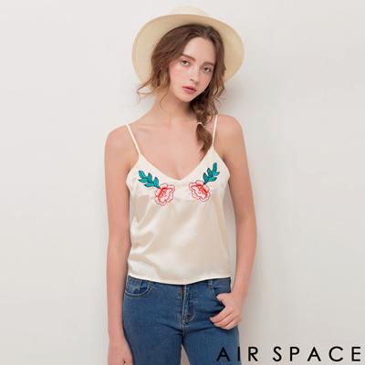 AIR SPACE 花卉刺繡緞面細肩帶上衣(米白)