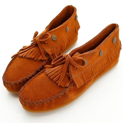 MINNETONKA 個性紅棕麂皮流蘇鉚釘短靴 女鞋