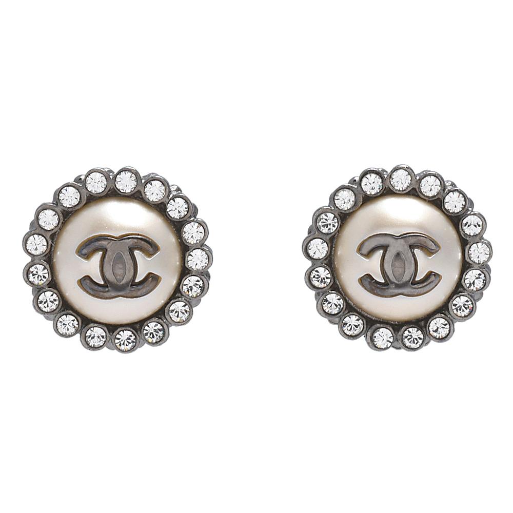 CHANEL 香奈兒經典雙C LOGO水鑽圍繞鑲嵌圓形針式耳環