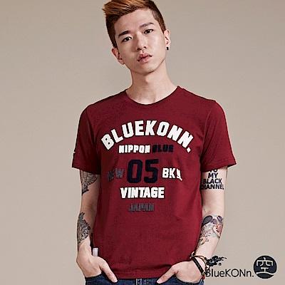 空 BLUE WAY 美式風格貼布繡短袖T恤(暗紅)