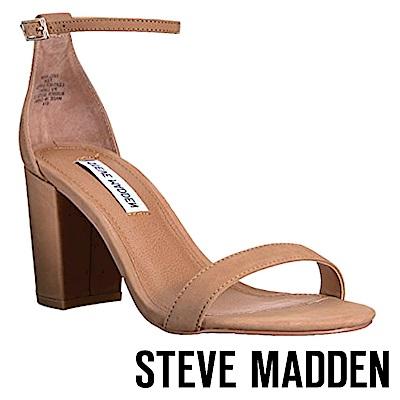STEVE MADDEN-DECLAIR 一字窄版繞踝粗高跟涼鞋-棕色