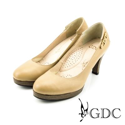 GDC-低調素面側邊扣飾真皮高跟鞋-米杏色