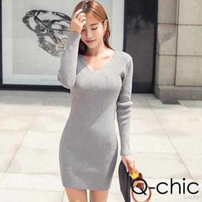 正韓 坑條針織鋸齒V領合身洋裝  (共二色)-Q-chic