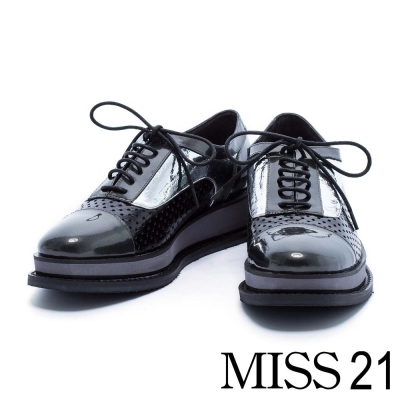 休閒鞋 MISS 21 搖滾率性異材質拼接全真皮厚底牛津鞋-銀