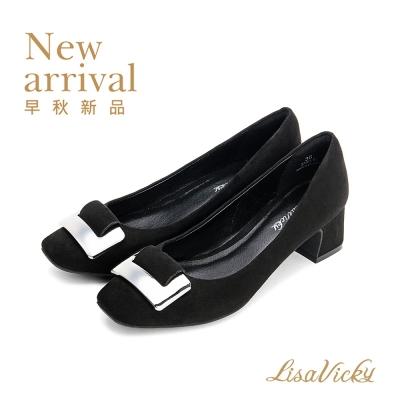 LisaVicky 復古典雅方頭飾釦中低跟鞋-經典黑