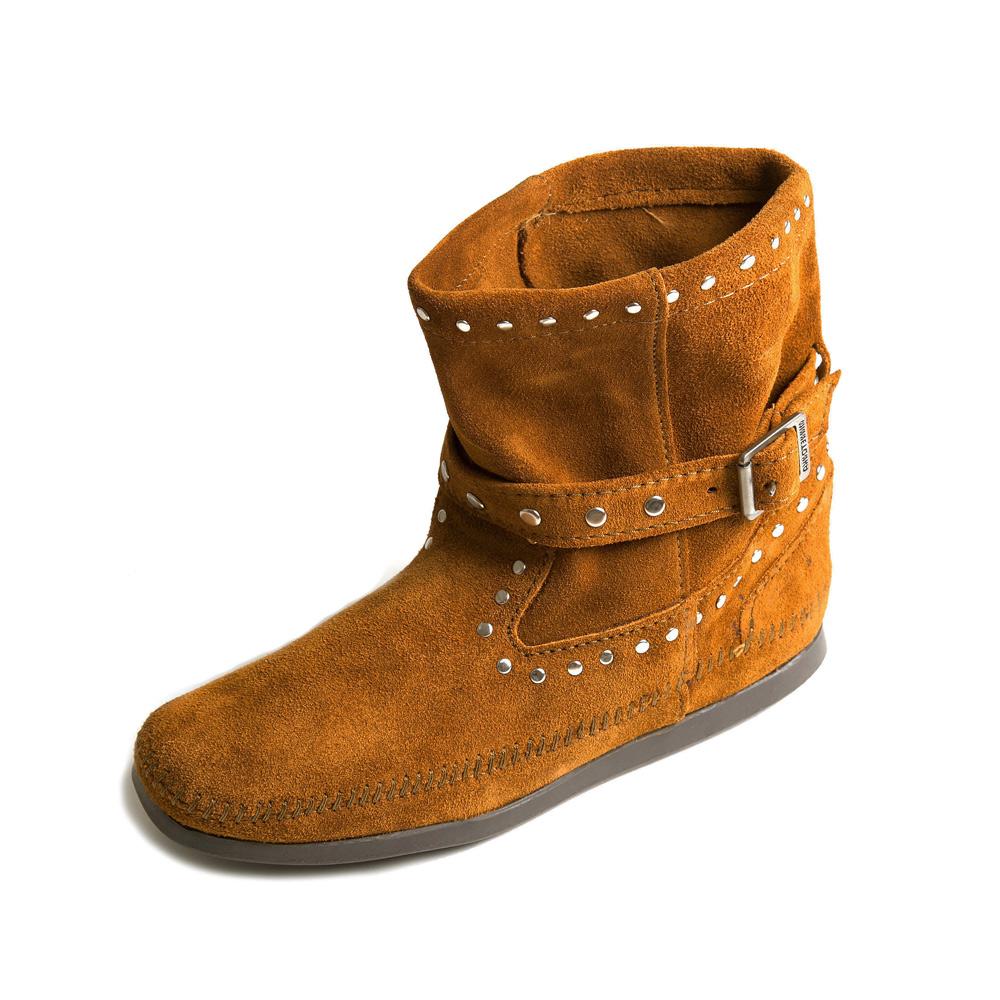 MINNETONKA-STUDDED STRAP鉚釘繞帶短靴-紅棕色
