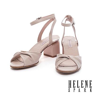 涼鞋 HELENE SPARK 簡約抓皺扭結綿羊皮粗跟涼鞋-米