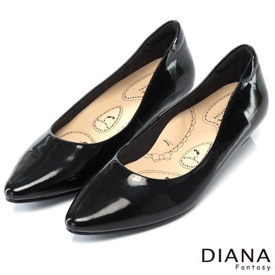 DIANA 漫步雲端布朗尼B款--輕彈舒適OL制鞋-漆黑