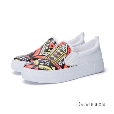 達芙妮DAPHNE 休閒鞋-彩色部落圖騰厚底懶人鞋-白