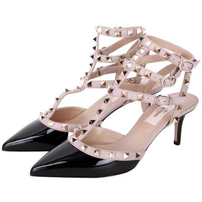 VALENTINO ROCKSTUD 鉚釘三繫帶漆皮高跟鞋(黑x耦色)