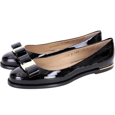 Salvatore Ferragamo Luna 蝴蝶結飾漆皮平底鞋(黑色)