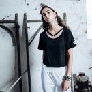 DADA SUPREME 性感頸環短袖上衣-女-黑色