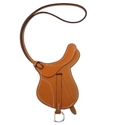 HERMES 馬鞍造型小牛皮吊飾(駝)