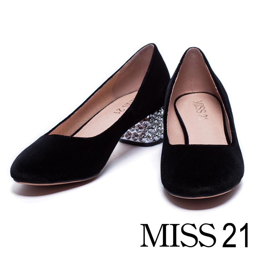 跟鞋 MISS 21 復古絨布白鑽點綴銀色粗跟鞋-黑
