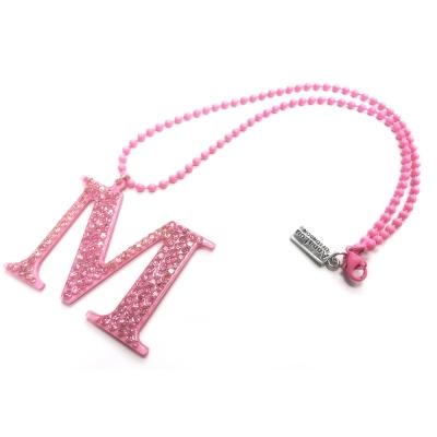 Anna Lou Of London 倫敦品牌 水晶字母項鍊 M 粉紅色