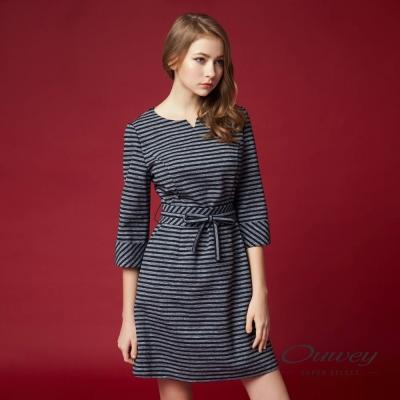 OUWEY歐薇 率性條紋繫帶洋裝(灰)