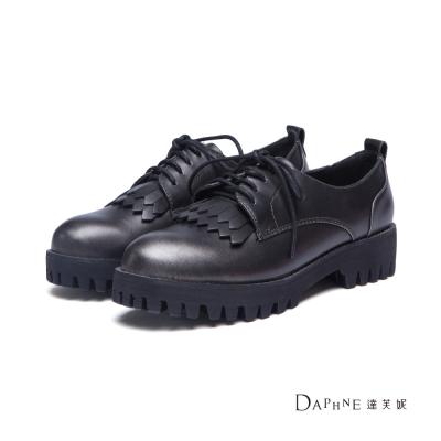 達芙妮DAPHNE-休閒鞋-金屬刷色流蘇鋸齒厚底牛津鞋-黑