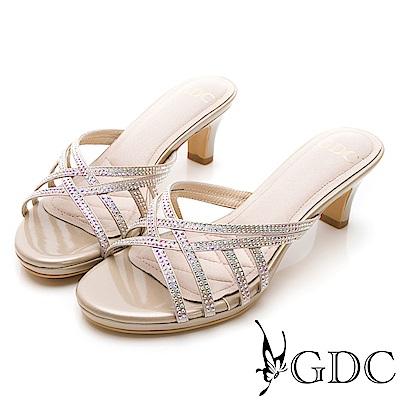 GDC-交叉水鑽貴氣亮皮低跟拖鞋-金色
