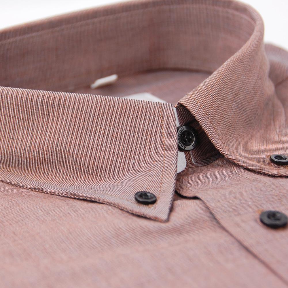 金‧安德森  磚色黑釘扣領短袖襯衫