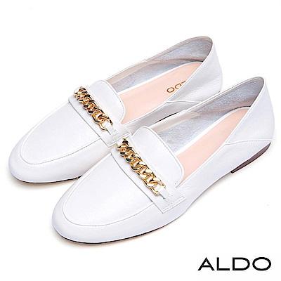 ALDO 原色真皮鞋面金屬鏈帶木紋粗跟樂福鞋~氣質白色