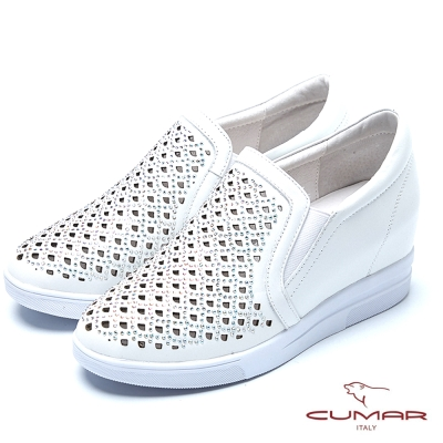 CUMAR舒適真皮 水鑽雕花內增高休閒鞋-白