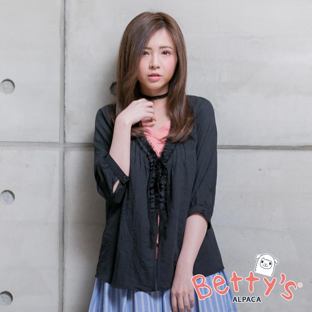 betty's貝蒂思 開釦蕾絲荷葉邊七分袖罩衫(黑色)