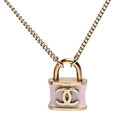 CHANEL 香奈兒經典雙C LOGO鎖頭造型墜飾項鍊(金-丁香色)