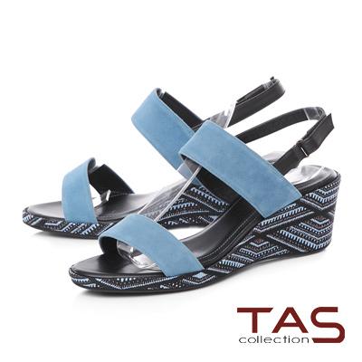 TAS 圖騰刺繡寬版繫帶楔型涼鞋-湖水藍