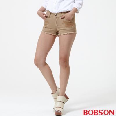 BOBSON 女款蕾絲花型刺繡色布短褲