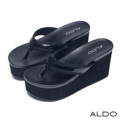 ALDO-休閒度假趣漆皮人字型夾腳厚底QQ鞋-尊爵黑色