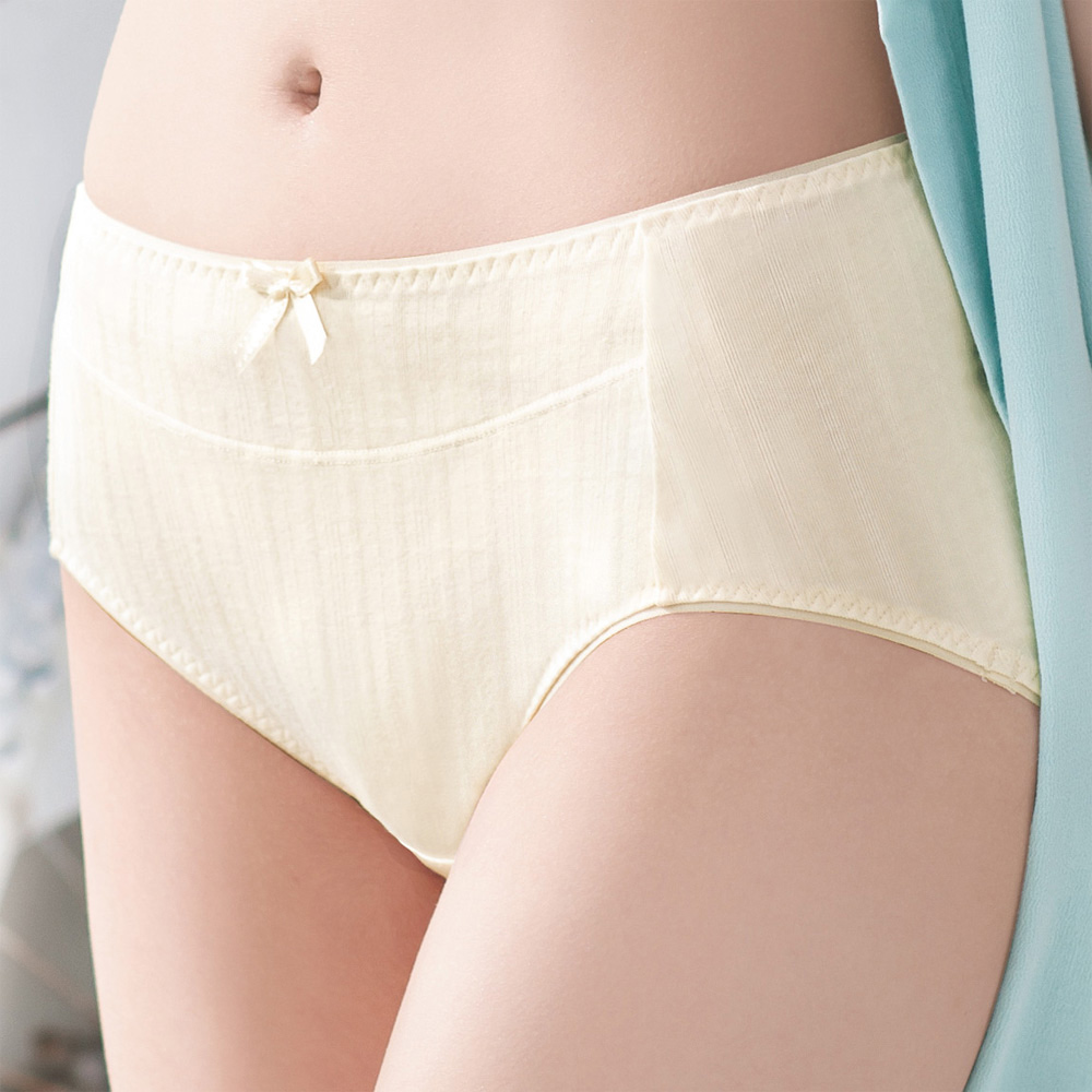 華歌爾-環保iearth有機棉環保染M-LL中腰三角褲(香草色)