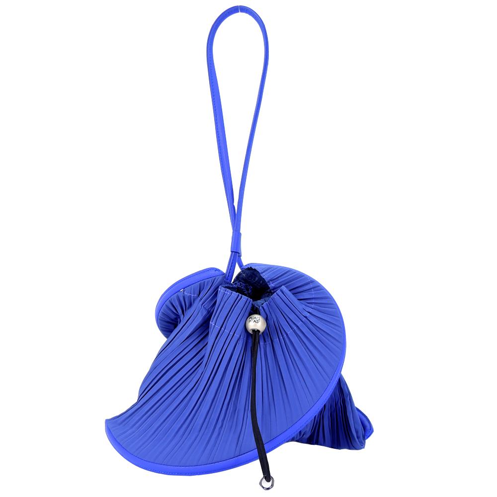 ISSEY MIYAKE 三宅一生 PP系列螺旋褶紋小手提包(寶藍)