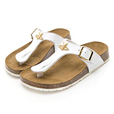 PLAYBOY涼夏必備 皮帶釦造型夾腳拖鞋-白