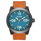 NIXON The CORPORAL 回歸夢想時尚運動腕錶-橘褐X藍