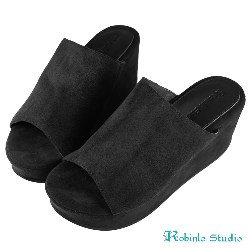 Robinlo Studio 絨面牛皮厚底鬆糕拖鞋 黑色