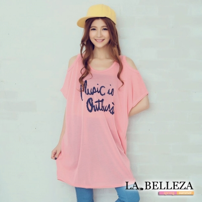 大尺碼-馬卡龍露肩英文字上衣-La-Belleza