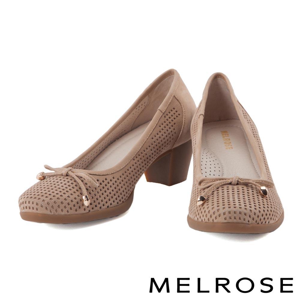 高跟鞋 MELROSE 復古蝴蝶結沖孔牛皮高跟鞋-杏
