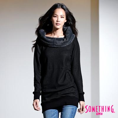 SOMETHING-微笑暖冬-翻領毛毛長版T恤-女款-黑色