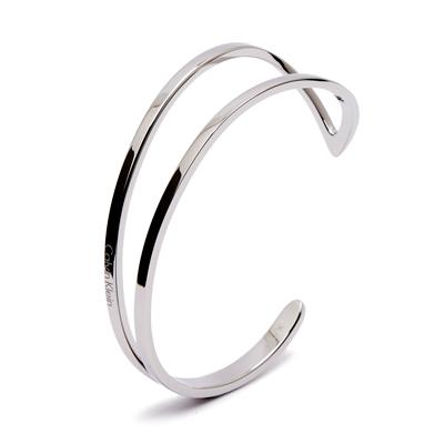 CK Calvin Klein 翩然起舞在手腕間的手環