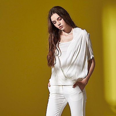 氣質羅馬抓皺顯瘦V領微寬五分袖罩衫式造型雪紡上衣(兩色)-白
