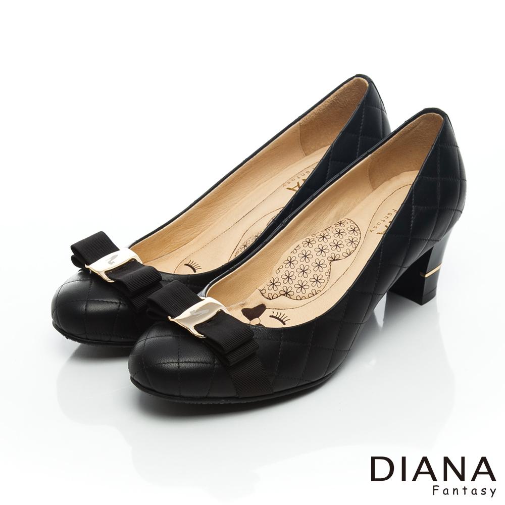 DIANA 超厚切LADY款--雷射飾釦棉羊皮跟鞋-黑