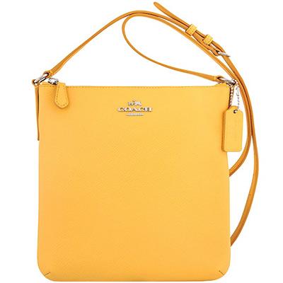 COACH-黃色防刮皮革斜背包