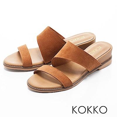 KOKKO-忘憂森林真皮寬版簡約涼拖鞋-柔沙棕